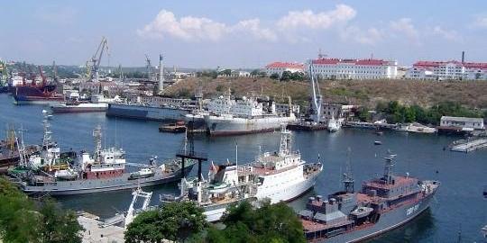Sevastopolskiy_morskoy_port_uvelichivaet_obemy_per_1.jpg